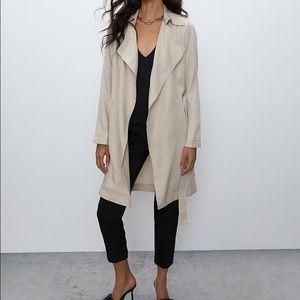 Aritzia Babaton Maximo Buttonless Trench Coat